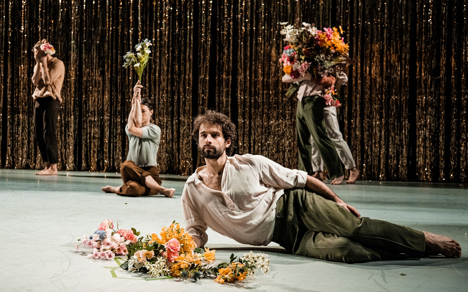 Anmeldelse: Two Lions and a Castle, Det Kongelige Teater  (Dansk Danseteater)