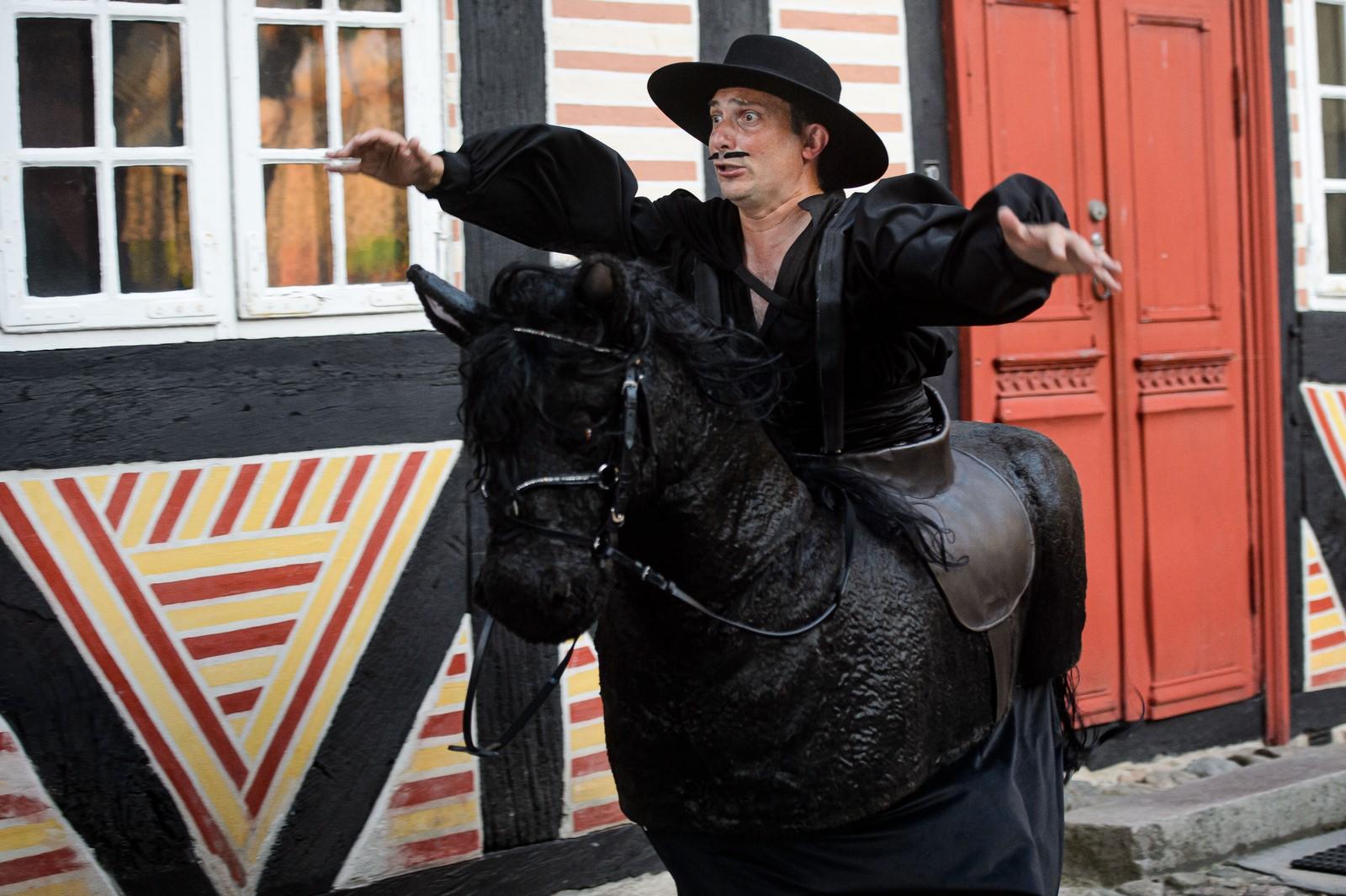 Anmeldelse: Zorro og Den forbudte sombrero, Holbæk Museum (Sjællands Teater)