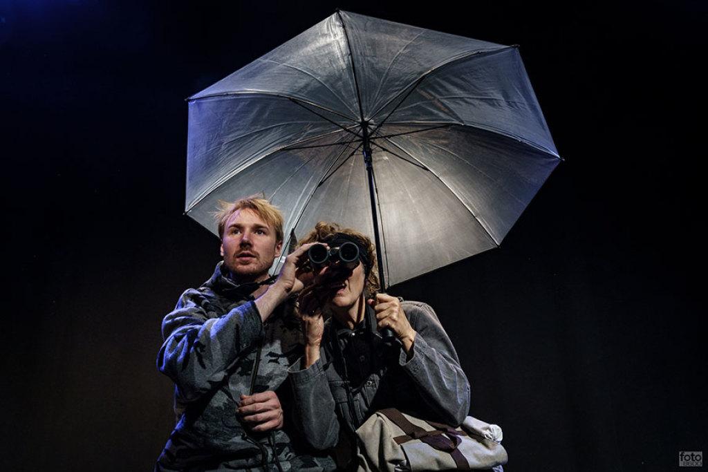 """Anmeldelse: Over Vadehavet, Teatret Svalegangen (""""Teatret"""")"""